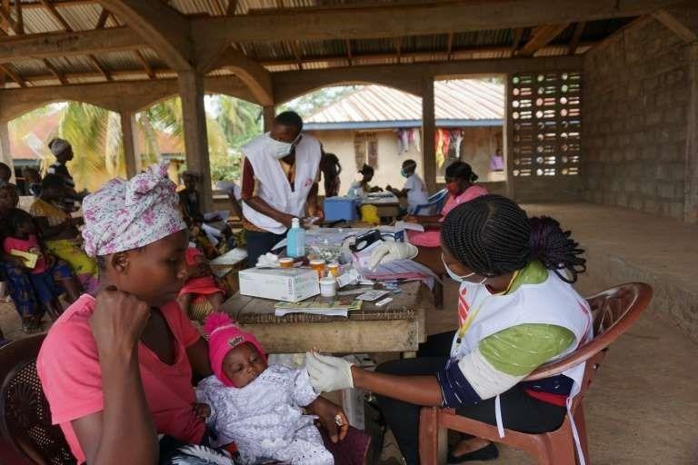 En este momento estás viendo En Sierra Leona, el miedo al coronavirus favorece la epidemia de malaria