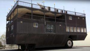 ¿Adivinarías cuánto mide la caravana más grande del mundo?