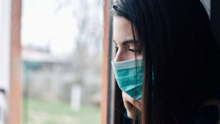Por qué el objetivo debe ser aprender a vivir con el coronavirus, no luchar contra él