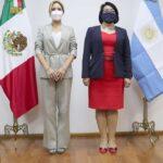 La primera dama se reunió con autoridades del sector social
