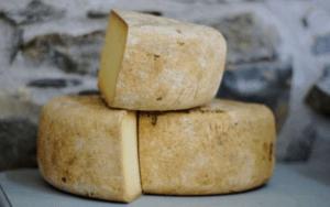 La ANMAT prohibió la venta de dos quesos y dos productos de depilación definitiva
