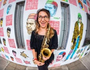 Lee más sobre el artículo La saxofonista Yamile Burich acaba de editar «Bardo»
