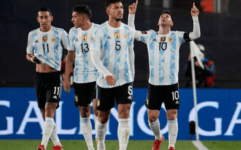 En este momento estás viendo El detalle que no viste del festejo de Messi que te va a encantar